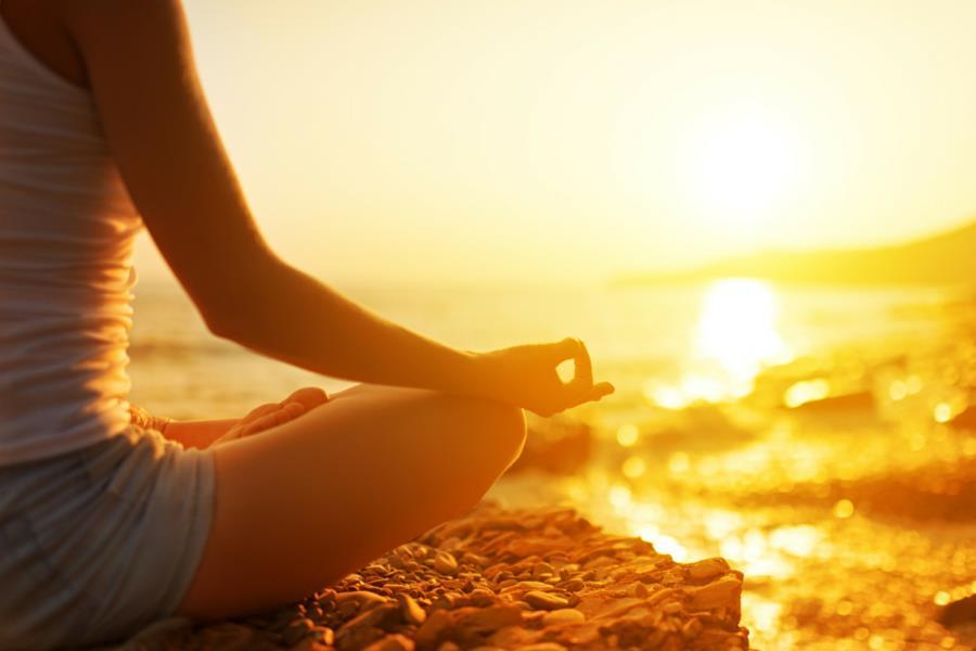 woman meditatimg